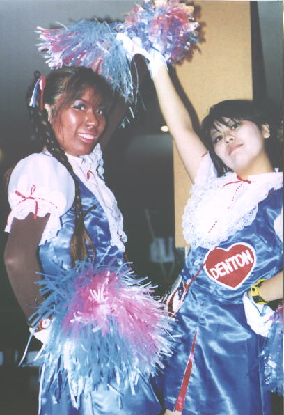 2 Cheerleaders